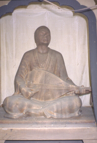 wooden statue of hoichi